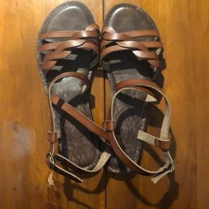 Time and Tru sandals size 8